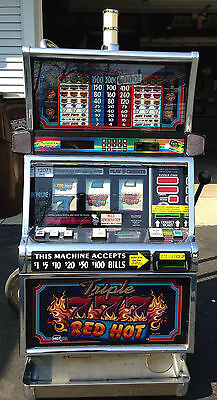 """IGT S2000 COINLESS SLOT MACHINE """"TRIPLE RED HOT 7s"""