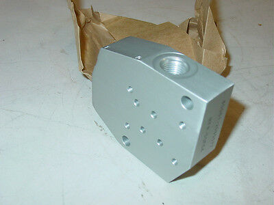 New Aluminum Pneumatic - Hydraulic Connector Block 4730-00-451-6684, 2585677
