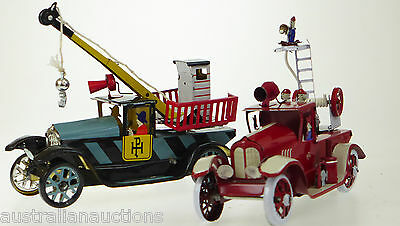 2 x CLASSIC TIN TOY VINTAGE STYLE RESCUE BREAKDOWN & FIRE ENGINE TRUCK WIND UP