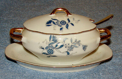 Royal Crown - Arnart-Child's Play Size Blue OnionTureen/Gravy Boat w/ Tray  1446