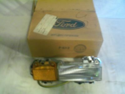 1973-1974 Ford Thunderbird Front Fender Side Marker Light, NOS D3SZ-15A201-B