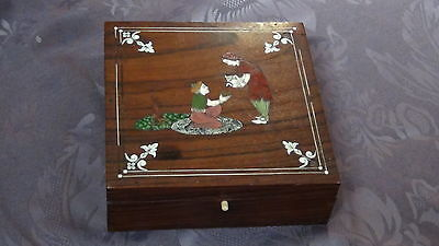 Antique 19C Islamic Persian  Red Wood And Shell Inlay Gorgeous Box • CAD $184.19