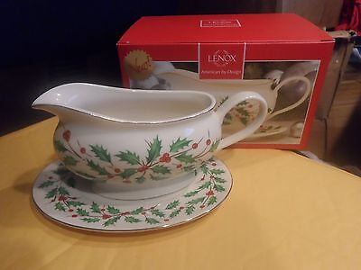 Lenox Holiday Gravy Boat With Stand New In Box
