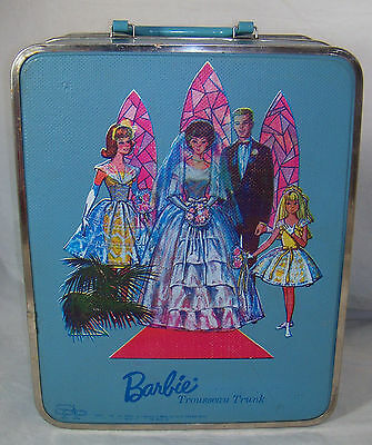 1964 Barbie 4 Doll Blue Wedding Trousseau Trunk Carrying Case Wardrobe Waffle