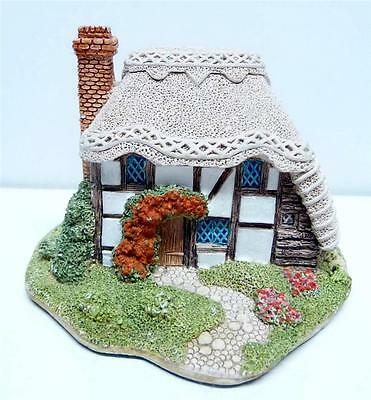1990 Lilliput Lane Strawberry Cottage Collectible