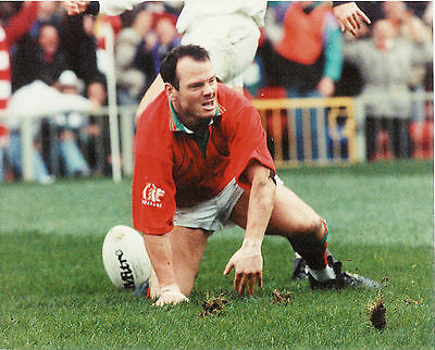 """IEUAN EVANS WALES COLOUR RUGBY ORIGINAL PHOTOGRAPH 10"""" x 8"""" AFTER THE TRY 1993"""