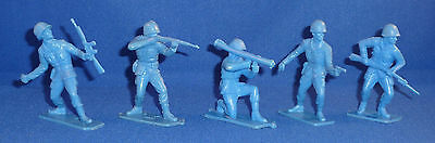 Vintage HAMILTON'S INVADERS Set = 5 Different BLUE DEFENDERS Soldiers REMCO 1964