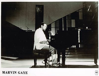 Marvin Gaye - MIDNIGHT LOVE - The Last Photos (3) - 1983