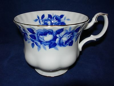 Royal Albert Bone China Aristocrat Teacup Cup Made in England  Free Shipping