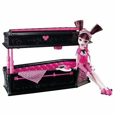 Monster High Draculaura Doll & Coffin Jewelry Box Bed Accessories 2010 BDC40 NEW