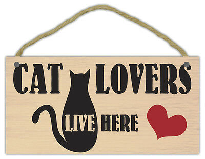 Wooden Decorative Pet Sign: Cat Lovers Live Here w/Heart | Cats, Gifts
