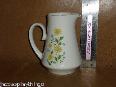 "Jardin China Japan MARGUERITE Yellow Floral Creamer 4.25"" FREE US Shipping"