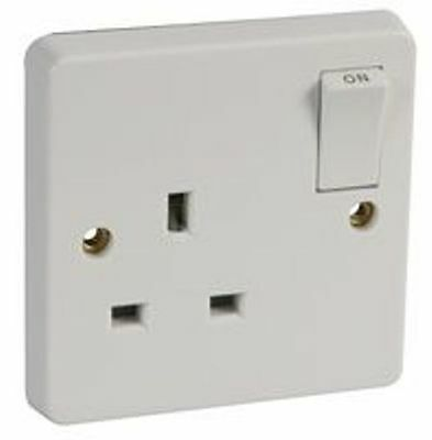 13A White Plastic Crabtree Single Mains Wall Socket Plug Outlet Switch Switched