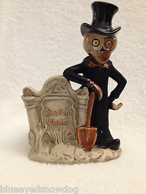 "Yankee Candle Boney Bunch 2008  "" Six Feet Under "" Skeleton Grave Digger ~ New"