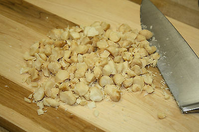 Crushed macadamia nuts (200g)
