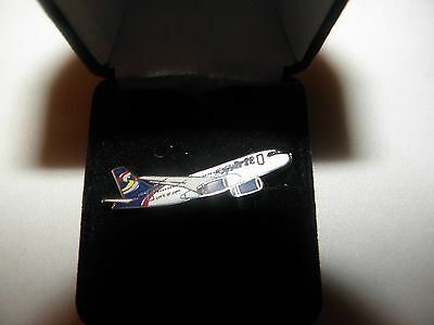 SPIRIT AIRLINES AIR BUS AIRPLANE LAPEL TAC PIN PILOT F/A COLLECTOR AIRLINE GIFT