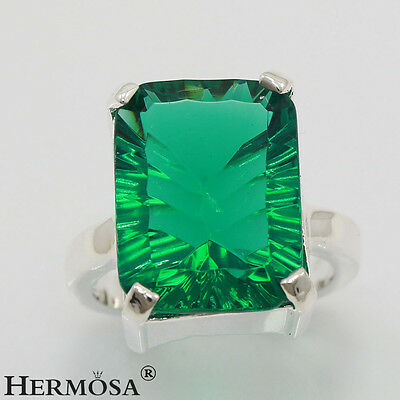 Hermosa 925 Sterling Silver Emerald Gemstone Ring Size 9 Incredible Sales