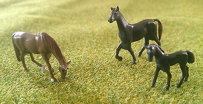 HO/00 Gauge Model Railway painted Horses and Foals for countryside scenery