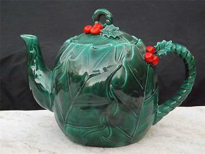 Superb Vintage Lefton Red Holly Green Leaf Christmas Teapot 48 Ounce w Label VGC