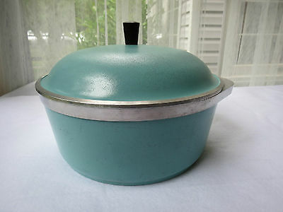 Vintage CLUB 4 Quart Turquoise Aluminum Covered Stock Pot / Dutch Oven / Roaster