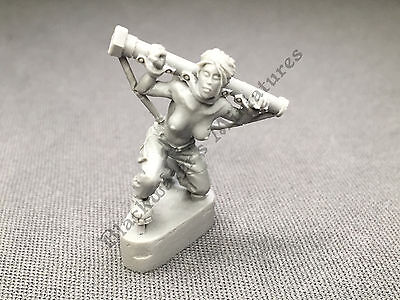 Nude / Stripped Captured Girl • For Warhammer or Warmachine •28mm Resin Minis