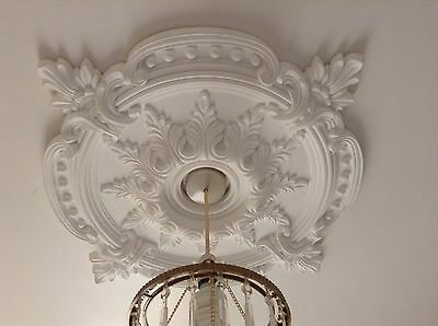 Large Beautiful Ornate white Ceiling rose Home Decor Victorian Medallion 72c CR7