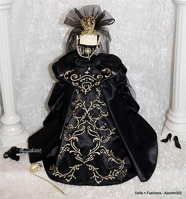 Top Model Muse SilkStone Barbie Collector Venetian Muse Complete Fashion Set