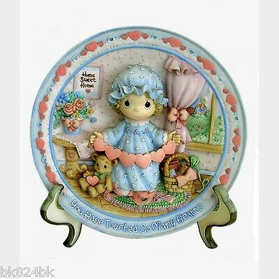 PRECIOUS MOMENTS Decorative Collector Plate Sculpted 3D Girl with Hearts
