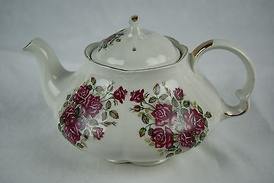WOOD AND SONS ALPINE WHITE IRON STONE TEA POT, 5 CUPS, NO ODOR