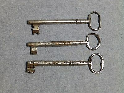3 Antique Cast Iron Nickel Skeleton Jail House Door Gate Keys Key Vintage Old