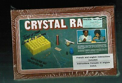 RARE VINTAGE SEALED CRYSTAL RADIO TOY KIT by LOGIC UNOPENNED (TOYS R US)