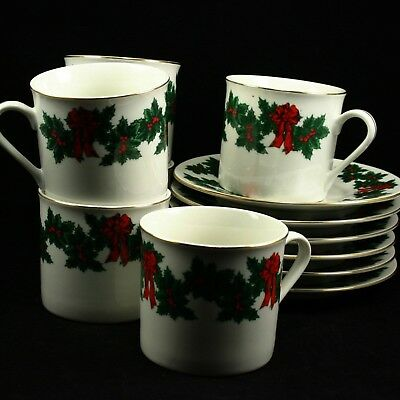 Libbey Holly Berry Ribbon Gold Rim Holiday Christmas Cups and Saucers Qty 6