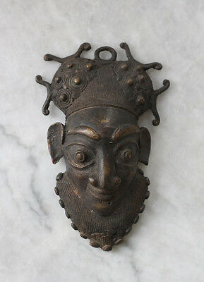 Antique BAMILEKE Cameroon, bronze mask