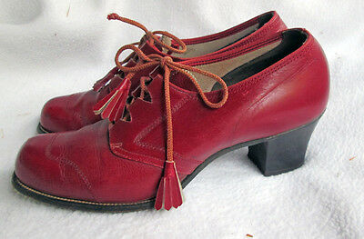 VINTAGE SHOES  LEATHER 1940's WWII ERA LIPSTICK RED 6-6.5
