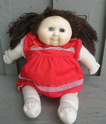 Old Vintage Cabbage Patch Doll Blue Blinking Eyes ~ Brown Yarn Hair