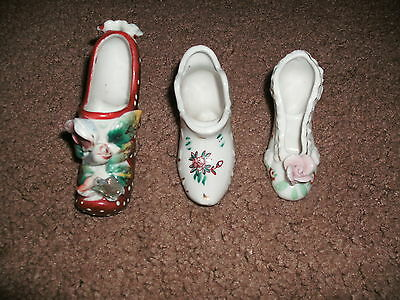 Vintage (3) Miniature Glass Decorative Shoes w/Flowers Made In Japan Low Price