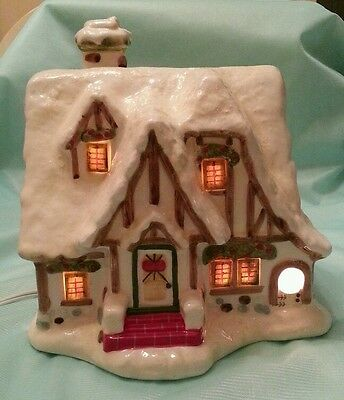 Ceramic Lighted Christmas Village Kringle Cottage 2007 JoAnns House