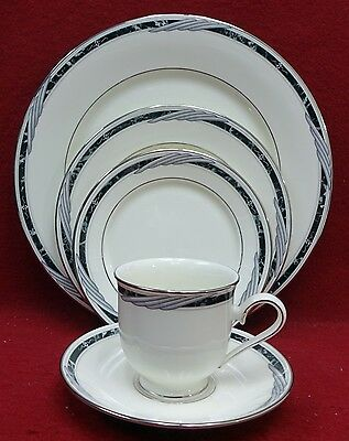 LENOX china CITY CHIC pttrn 5-Piece Place Setting -cup saucer dinner salad bread