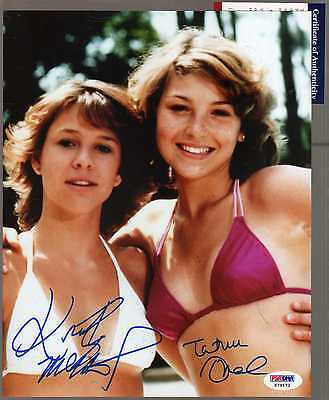 TATUM O'NEAL KRISTY MCNICHOL DUEL SIGNED 8X10 PSA / DNA COA BATHING SUITS SEXY !