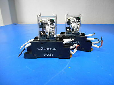 Lot Of 2 Omron Cube Relay LY 2N-D2 10A 110VAC With Base