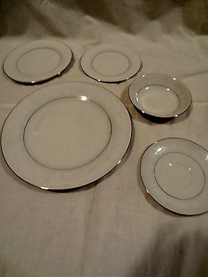 Ivory Fantasy China from Japan One 5 Piece Complete Place Setting Silver Lining