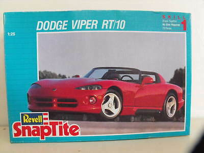 Revell Snaptite Dodge Viper Rt/10 1/25 Scale Model Kit