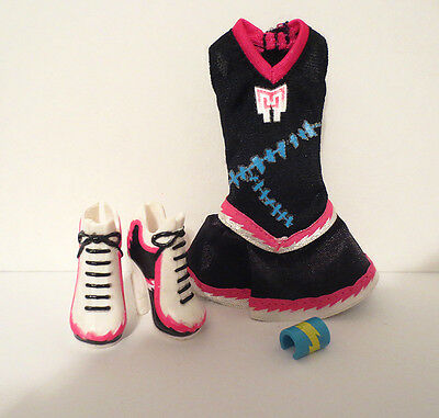 Monster High Frankie Stein Fearleading OUTFIT shoes and bracelet