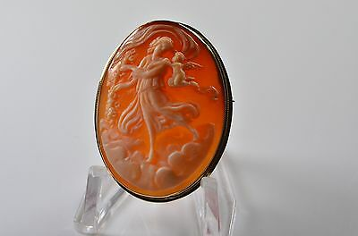 18ct Gold Carved Cameo Brooch/Pendant with folding chain loop. 7.5g