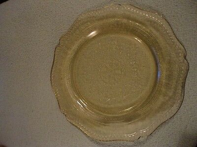 Federal Patrician Spoke Depression Glass Amber Dinner Plate Vintage