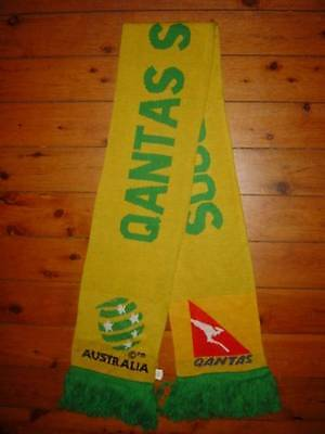 1x AUSTRALIA NATIONAL TEAM QANTAS SOCCEROOS SOCCER FOOTBALL ACRYLIC WOOL SCARF