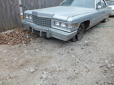1976 Cadillac Coupe Deville Sedan Fleetwood Grille Upper 1975