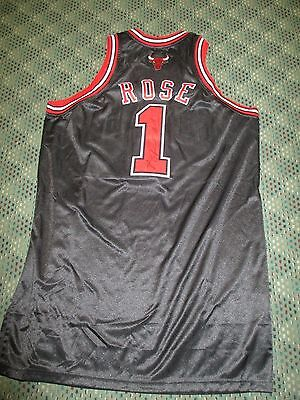 2009-10 Derrick Rose #1 Autographed Black Game Worn Jersey Chicago Bulls Letter