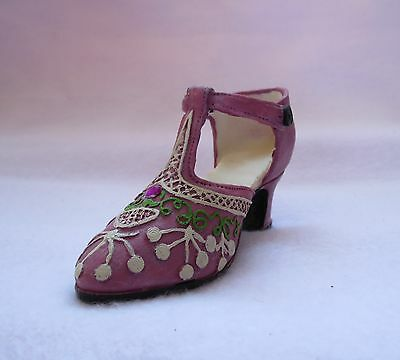 Flapper Style Pink Shoe