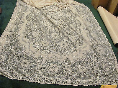 """Large Vintage Lace Table Cloth in Excellent Condition, 9 feet long by 71"""" wide"""